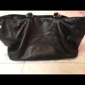 2573d1fcae18b5 Prada Bags | Cross Body Handbag | Poshmark